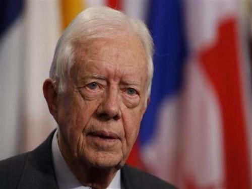 كارتر يطالب ترامب بتشكيل لجنة لتحسين العلاقات مع الصين