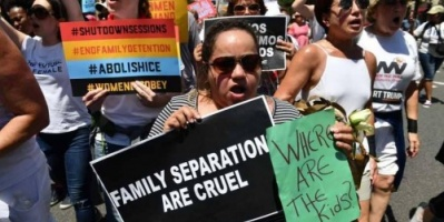 تقرير رسمي: الحكومة الأمريكية بدأت تفريق العائلات منذ 2007