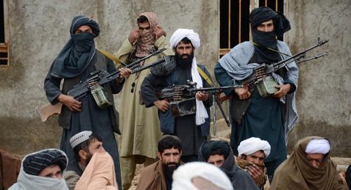 طالبان تنفي إجراء مباحثات مع أمريكا (تفاصيل)