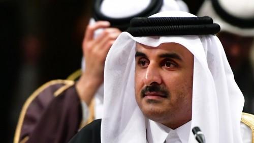النعيمي: تميم سيشارك في القمة الاقتصادية بأوامر من إيران