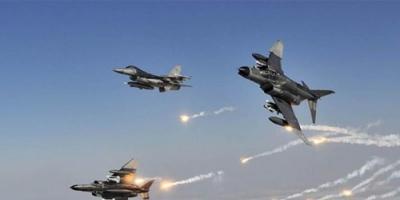 مقاتلات التحالف تشن غارات عنيفة على معسكر الفرقة الأولى مدرع بصنعاء