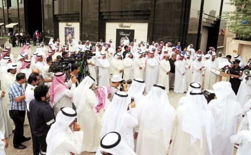 الكويت تقرر رفع نسبة العمالة الوطنية بالقطاع الخاص
