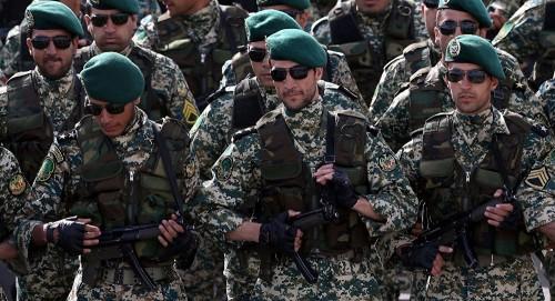 اعتقالات في صفوف قيادات الجيش الإيراني تنذر بسقوط قريب
