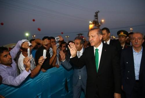 """""""أردوغان"""" يخطط لاستغلال اللاجئين السوريين في انتخابات البلدية (تفاصيل)"""