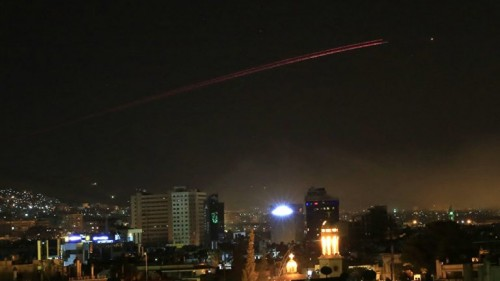 القوات الإسرائيلية تشن غارات على سوريا