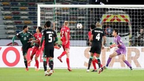 الإمارات تتأهل إلى الدور ربع النهائي في أمم آسيا