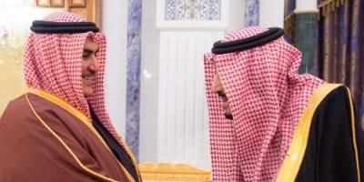 ملك السعودية يستقبل وزير خارجية البحرين.. صور