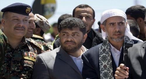 إعلامي يكشف تفاصيل جديدة حول إصابة محمد علي الحوثي