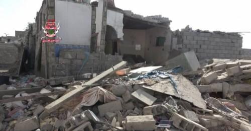 الانقلابيون يستهدفون مواقع ألوية العمالقة ومنازل المواطنين في الحديدة