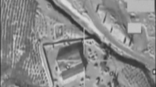 سوريا.. التحقيق في قصف سيارة مدنية بدير الزور