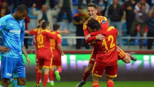 التعادل عنوان لمباراة قيصري وسفونيا سبور في الدوري التركي