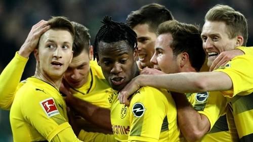 بروسيا دورتموند يفوز على هانفور 96 5-1 في الدوري الألماني