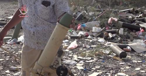 """مدفعية """" العمالقة"""" تدك مواقع الحوثيين غربي تعز"""