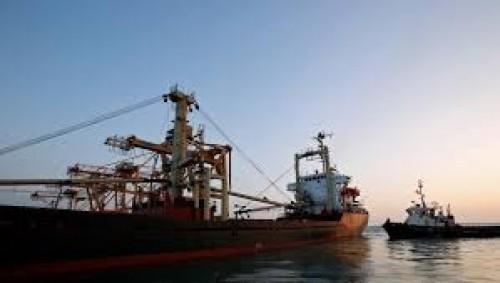 التحالف: 6 سفن تنتظر دخول ميناء الحديدة منذ 37 يومًا