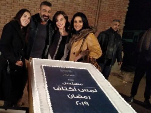 """ياسر جلال وحنان مطاوع يحتفلان ببدء تصوير مسلسل """" لمس أكتاف """""""