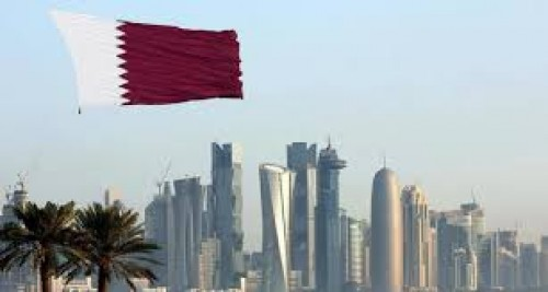 سياسي يُطالب الدول العربية بعزل قطر (تفاصيل)
