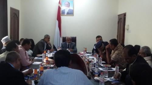 اللجنة الحكومية بشأن الحديدة توصي بإنشاء غرفة عمليات ترتبط بالوزارة