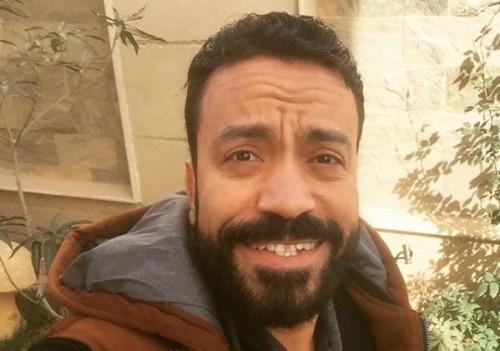 """سامح حسين يطرح بوستر فيلمه الجديد """" عيش حياتك """""""