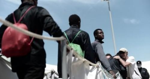مفوضية اللاجئين تنقل 130 شخصًا من ليبيا إلى النيجر