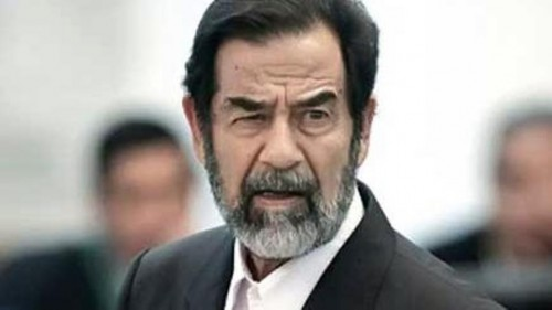 شاعر عراقي يعتقل لمدحه صدام حسين في إحدى المناسبات الأدبية