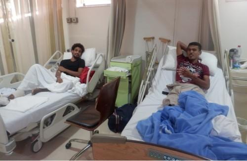 وفد حكومي يبحث في القاهرة تسهيل دخول الجرحى اليمنيين
