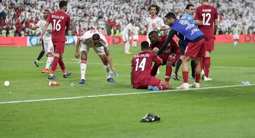 ساقط وفاشل.. أمجد طه يسخر من منتخب قطر