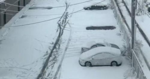 عاصفة ثلجية بشيكاغو تتسبب في إلغاء الدراسة اليوم وغدا