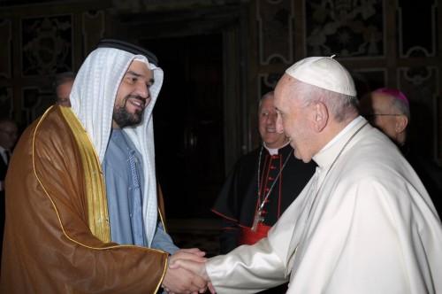 """"""" عالم التسامح """"..هكذا رحب الفنان حسين الجسمي بزيارة البابا فرنسيس للإمارات"""