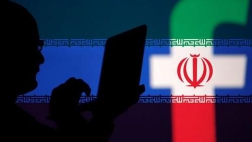 """"""" فيسبوك """" تغلق نحو 800 حساب تابع لملالي إيران"""
