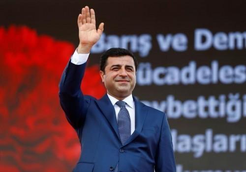 نكاية في أردوغان.. زعيم كردي معارض مُرشحاً لجائزة نوبل للسلام