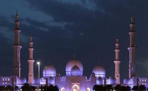 قبل احتضانه للقاء التاريخي.. تعرف على جامع الشيخ زايد الكبير