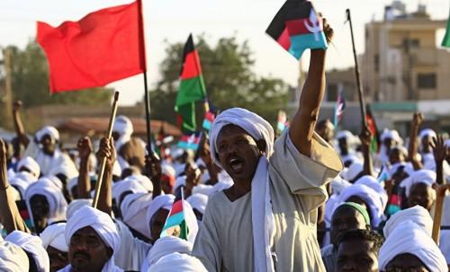 """احتجاجات شعبية تجتاح الخرطوم وسط دعوات بتنحي """"البشير"""""""