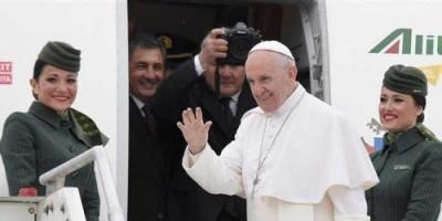 بابا الفاتيكان يختتم جولته بالإمارات مغادرًا إلى روما