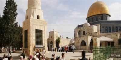 مستوطنون يقتحمون الأقصى بقيادة وزير الزراعة الإسرائيلي