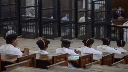 """مصر تقرر حبس 17 متهما في قضية تنظيم """"اللهم ثورة"""""""