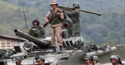الجيش الفنزويلي يغلق جسرًا مع كولومبيا لمنع وصول المساعدات الإنسانية