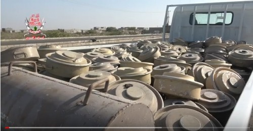 الفرق الهندسية لألوية العمالقة تنتزع مئات الألغام في الحديدة.. (فيديو)