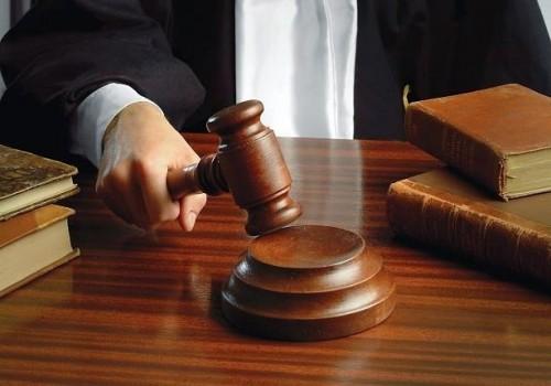 للمرة الأولى.. حكم بحبس امرأة تونسية بسبب ألفاظ عنصرية