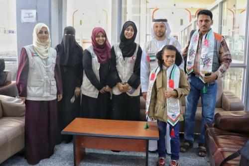 """الهلال الأحمر الإماراتي يتحمّل تكاليف علاج """"الطفلة إسراء"""" في مصر (صور)"""