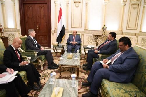 تفاصيل لقاء الرئيس هادي والسفير الأمريكي باليمن