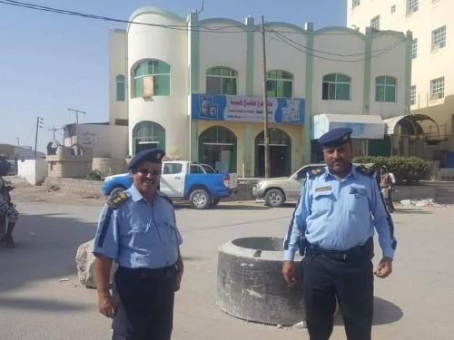 مدير عام شرطة السير بالمهرة يطلع على حملات التوعية المرورية بمديرية الغيضة
