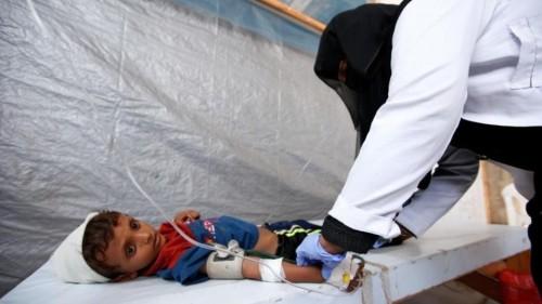 """"""" الكوليرا والحصبة """".. مليشيا الحوثي تصنع الأمراض وتدعي محاربتها"""