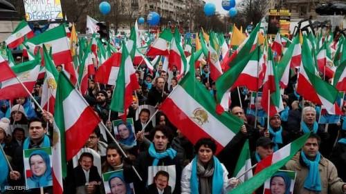 المعارضة الإيرانية تتظاهر بباريس لتغيير النظام الديني بطهران