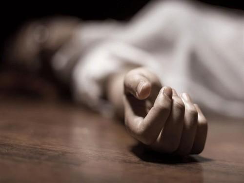 تفاصيل مُثيرة في انتحار فتاة داخل غرفتها بالحوطة