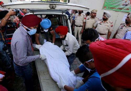 تفاصيل مصرع 39 هندياً بسبب خمور