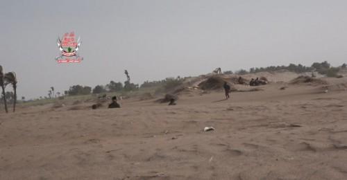 """بقذائف الهاون والآر بي جي.. مليشيات الحوثي تستهدف مواقع """"العمالقة"""" في الجبلية بالحديدة"""