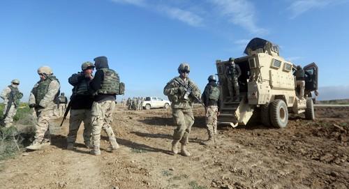 واشنطن تدفع بتعزيزات عسكرية على الحدود العراقية السورية