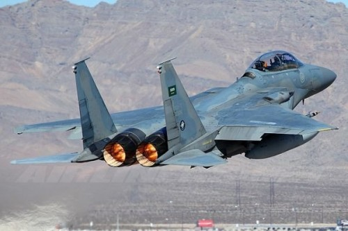مقاتلات التحالف تدك مواقع وآليات الحوثي في كشر بمحافظة حجة