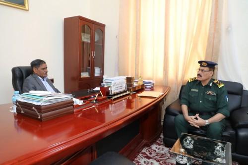 محافظ حضرموت يبحث ملفات الأمن مع كيل وزارة الداخلية