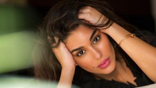 ياسمين صبري تستعرض لياقتها من داخل الجيم
